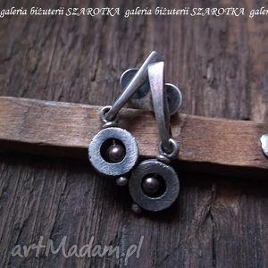 krople burgundu minimalistyczne kolczyki z perełek swarovski i srebra, perełki