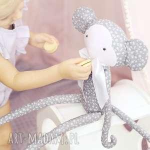 przytulanka małpka krystyna białe kwiatki - bawełna