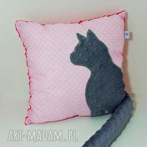 poduszka z kotem i ogonem 3d szary kot na różowym maczku, poduszka-z-kotem
