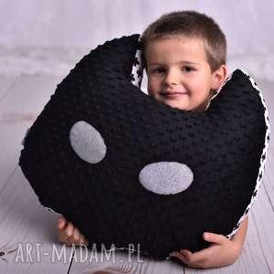 poduszka dziecięca maska batman, pomysł-na-prezent, poduszki-dziecięce