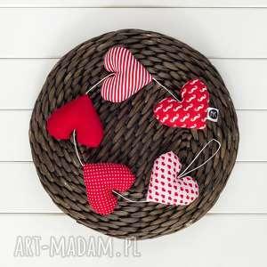 myk studio sercowa czerwona girlanda, 5 serc, ślubna dekoracja