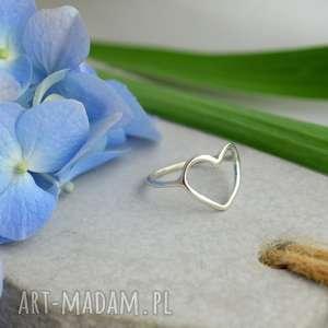 Prezent Pierścionek z serduszkiem, pierścionek, srebro, minimalistyczny, prezent
