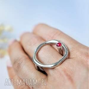 geometryczny pierścionek z agatem, pierścień minerałem, srebrny
