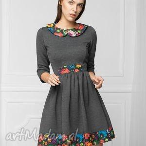 monnom boutique sukienka w stylu folk grafit, dresowa, dzianina, rozkloszowana