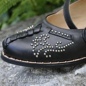 świąteczny prezent, buty nowoczesne kierpce, góralskie, folkowe, ćwieki