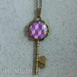 kluczyk, naszyjnik z kwadratmi, klucz, wisiorek, naszyjnik, łańcuszek, kwadrat