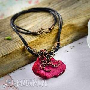 rose - naszyjnik z howlitem, naszyjnik, wisior, miedź, czerwony, howlit, wirewrapping