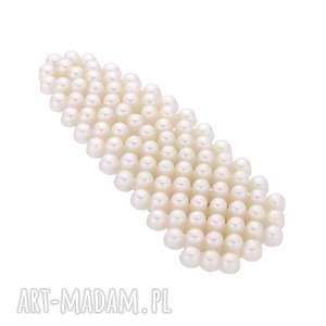 autorskie ozdoby do włosów trójkątna spinka z białymi perłami