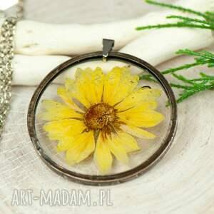 Naszyjnik z kwiatów w cynowej ramce z414 naszyjniki herbarium
