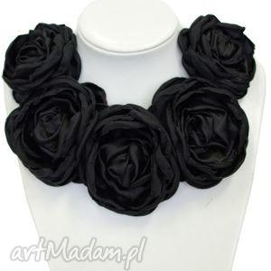Kwiatowa kolia - model 07 czarna, kolia, broszki, kwiatowe