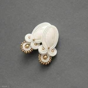 białe kolczyki sutasz, sznurek, ślubne, perłowe, ślub, eleganckie, wyjściowe