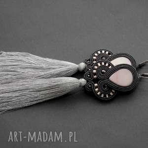 kolczyki sutasz z masą perłową i chwostami, sznurek, eleganckie, wiszące, wieczorowe