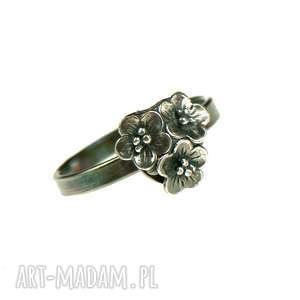 helia pierścionek srebrny 3 kwiatuszki a734, srebrne kwiaty, rio