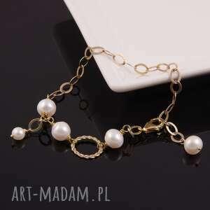 bransoletka z białych pereł w pozłącanym srebrze - perły naturalne