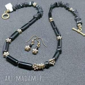 Delikatny komplet biżuterii w stylu vintage z onyksu i mosiądzu