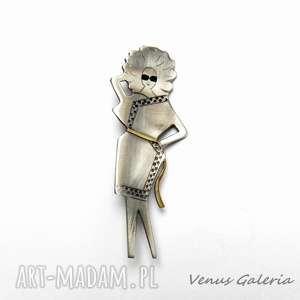 ręcznie zrobione broszki szykowna dama - broszka srebrna