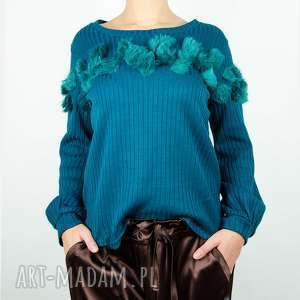 wyjątkowy prezent, turkusowy sweter z futerkiem, futerko, aplikacja, turkus, ciepły