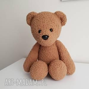 Miś zabawka kolekcjonerska wykonany na szydełki, dziecko, pokój-dziecka