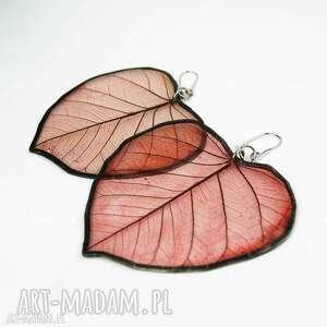 kolczyki prawdziwe liście bordowe wzór, z liści, żywicy