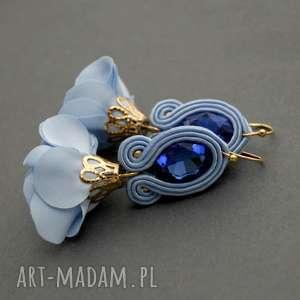kolczyki sutasz z kwiatkiem, sznurek, eleganckie, wiszące, wieczorowe, błękitne