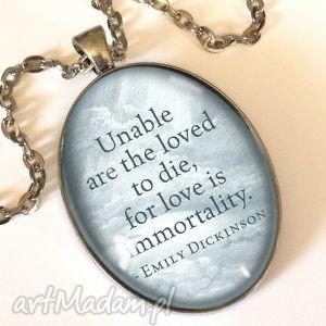 miłość - owalny medalion z łańcuszkiem egginegg - niebieskie