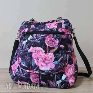 plecak torba listonoszka - piwonie na czarnym tle, elegancka, nowoczesna