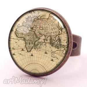 mapa świata - pierścionek regulowany, prezent, sepia