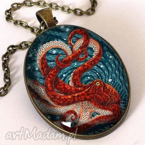 ośmiornica - owalny medalion z łańcuszkiem, witraż