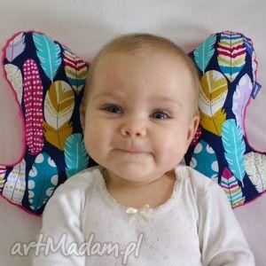 handmade dla dziecka poduszka motylek, wzór piórka