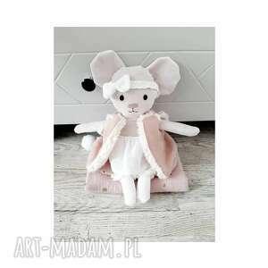handmade dla dziecka myszka w zestawie z ubrankami, bucikami, opaską