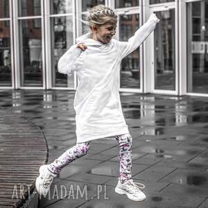 biała sukienka dziewczęca emi by libou, z kapturem, polska marka