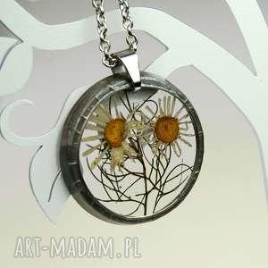 naszyjnik z suszonymi kwiatami , herbarium jewelry, kwiaty w żywicy z1343