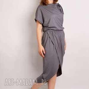 stalowa sukienka z marszczenniem, minimalizm, dzianinowa, stalowa, rzymska, drapowana