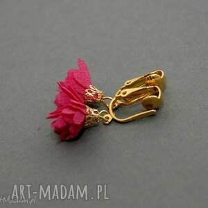 klipsy z kwiatuszkami, kwiatuszek, eleganckie, wiszące, fuksja, małe, kwiat