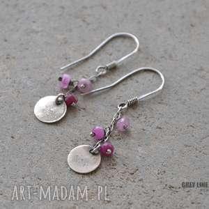 Małe szlachetne - rubin, srebrne, surowe, wiszące,