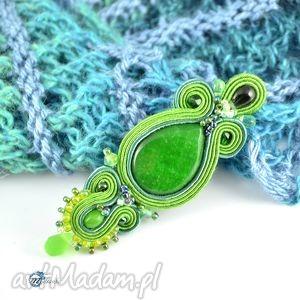 Zielona sutaszowa broszka - ,broszka,przypinka,elegancka,smukła,sutasz,multanka,