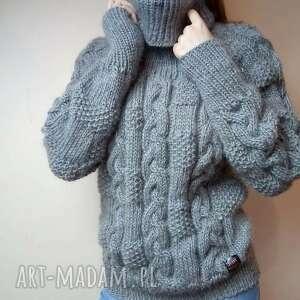 gruby szary sweter, na drutach, golf, gruba wełna, zimę, narty