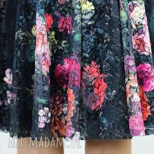 spódnice koronkowa spódnica z koła, spódnica, w róże, kwiaty, zwiewna, na lato