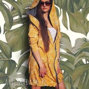 bluzy długa bluza oversize z motywem liści na żółtym tle, ogromny kaptur
