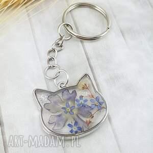 1189/ brelok do kluczy z żywicy kot niezapominajki, brelok, kluczy, kwiaty