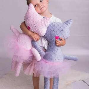 maskotki przytulanka kot minky, poduszka-kot, pomysł-na-prezent, przytulanka-minky