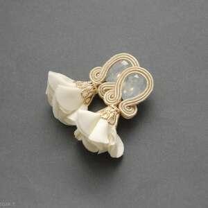 kolczyki sutasz z kwiatkiem, sznurek, eleganckie, ecru, ślubne, ślub