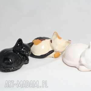 zwierzaki kot ceramiczny śpiący 3 szt, ceramika, kot