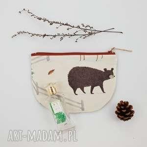 kosmetyczka półksiężyc leśna - ,kosmetyczka,las,leśna,niedźwiedź,góry,saszetka,