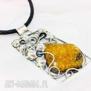Srebrny wisior z bursztynem srebro 925 handmade wisiorki