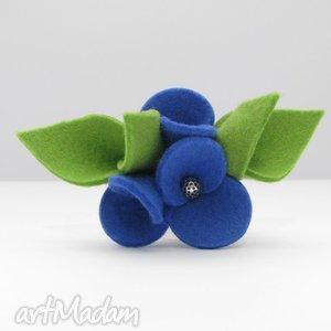 broszka- filcowe bratki - niebieskie z zielenią - broszka, filc, kwiatki, bratki
