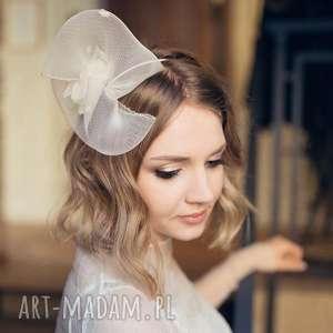 oryginalny prezent, ozdoby do włosów bąbel ecru, fascynator, jedwab, ślub