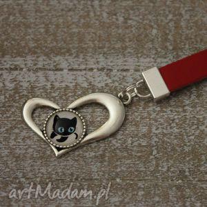 beebee czerwony brelok serce, kot, walentynki, brelok, breloczek, oryginalny