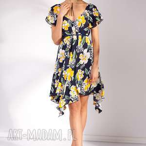 Sukienka Otiena, moda