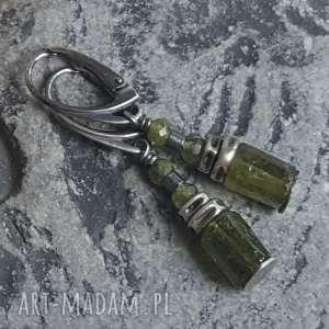 Prezent Kolczyki srebrne z zielonymi granatami, granat-zielony, kolczyki-wiszące